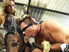 Man obeys his fetish tranny mistress